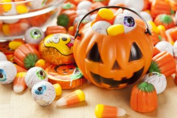 Keep Teeth Healthy for Those Halloween Treats