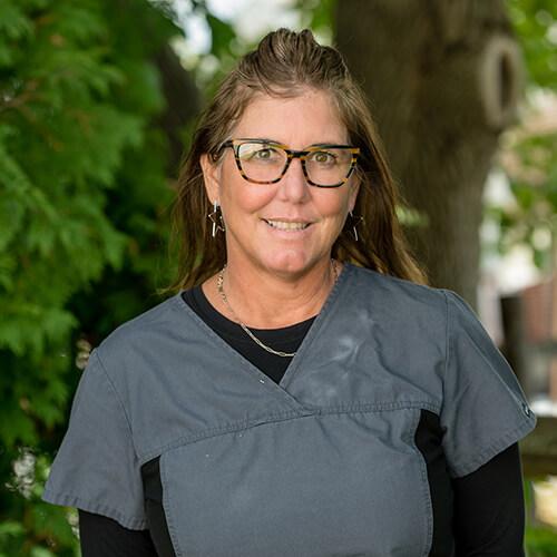 Portrait of Stefanie, a dental assistant